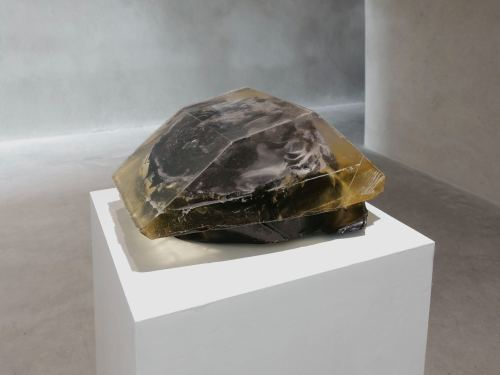 Lionel Maunz, Untitled, 2013. Polyurethane resin, epoxy resin, epoxy clay, 7.5 x 13 x 18 in, 19 x 33 x 46 cm
