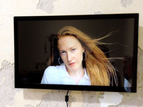 Britta Thie, Having a Coke w U, 2013. Digital Video, music by Ville Haimala, 16-9, sound, 02:21 min