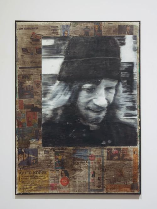 Anders Johansson, Steffe i Stockholm, 2016. Acrylic, pastel, newspaper on linen, 140 x 100 cm